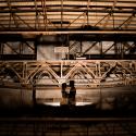 Lichtfabriek Turbinehal Huwelijk Bruidspaar Bij Portaalkraan