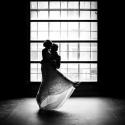 Lichtfabriek Turbinehal Huwelijk Bruidspaar Voor Het Raam