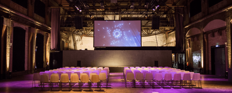 Lichtfabriek Turbinehal Congres Theateropstelling frontzicht (1)